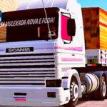 Skins Scania 113 Frontal Branca Clássica Com Faixas Originais e Carreta Bitrem Com Carga de Madeiras